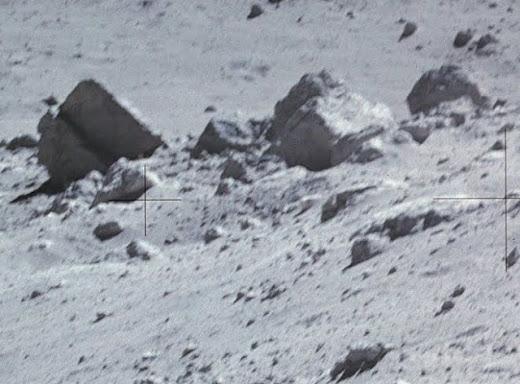 Extraño objeto fotografiado por los astronautas de Apolo., luna