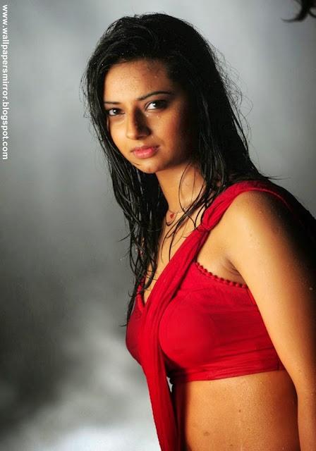 Isha chawla hot photo stills in wet saree