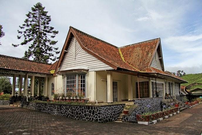 rumah bosscha tampak samping kanan