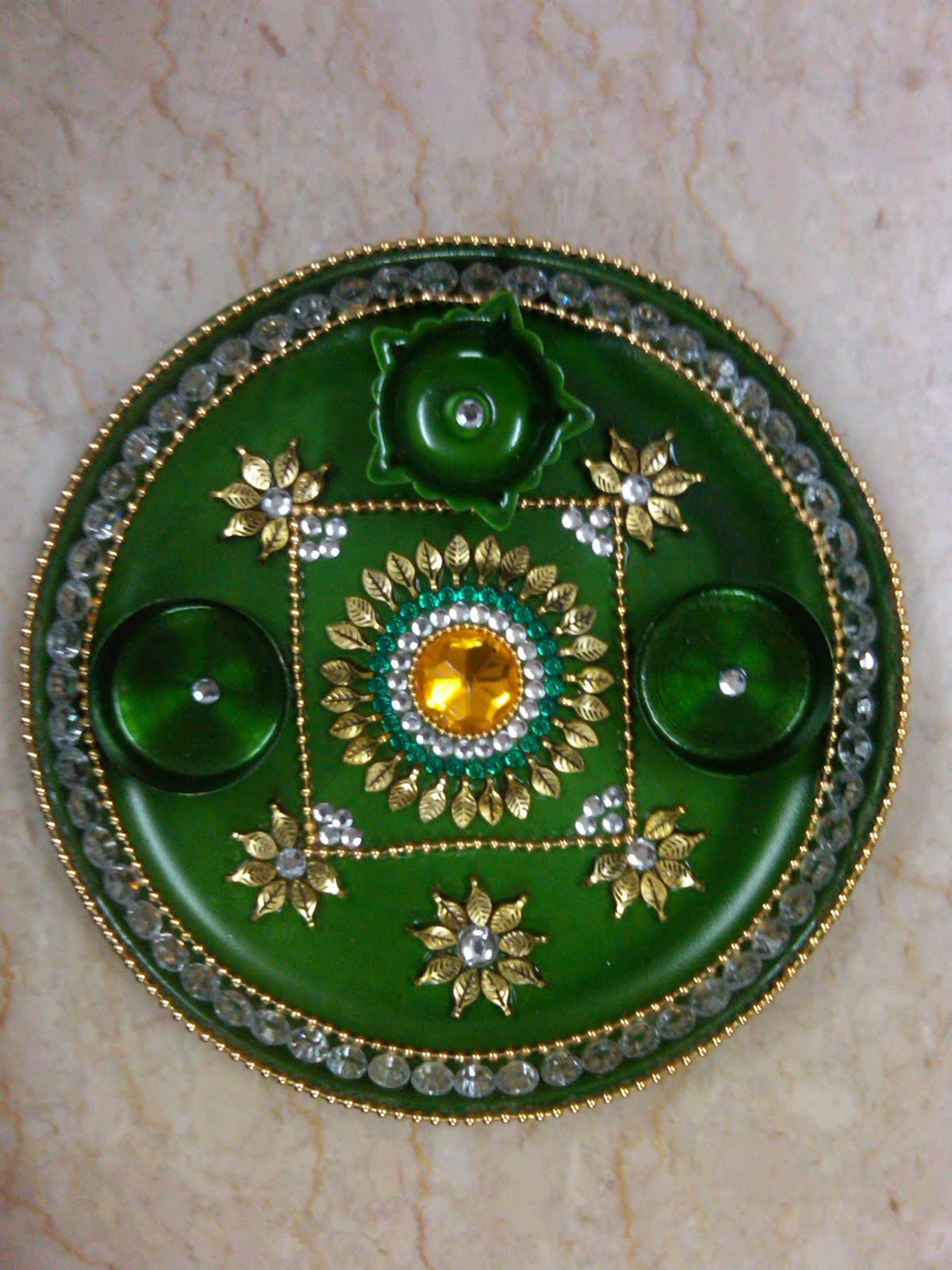 Ranjana arts www ranjanaarts com aarti thali pooja thali for Aarti thali decoration with flowers