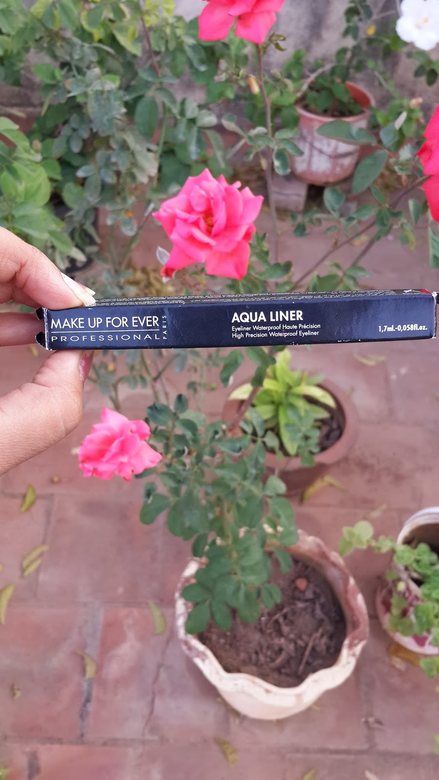 makeup_forever_professional_aqua_liner_black_review_swatches