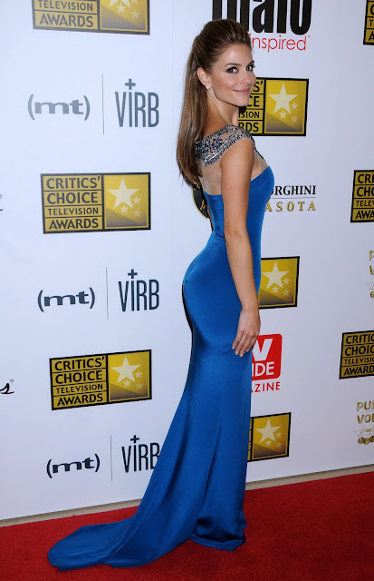 Maria Menounos wearing teal Marchesa gown