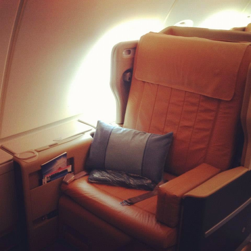 Pic my etihad pearl business class seat 9h on b777 300er may 2012 - The Single Window Seats On The Left And Right Side Of The Plane Are Perfect For Single Travelers
