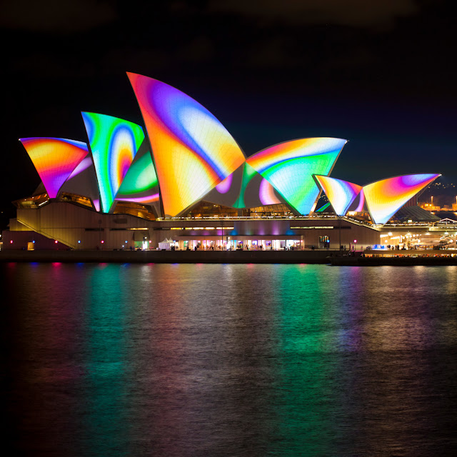 vivid sydney festival 2012 lighting the sails