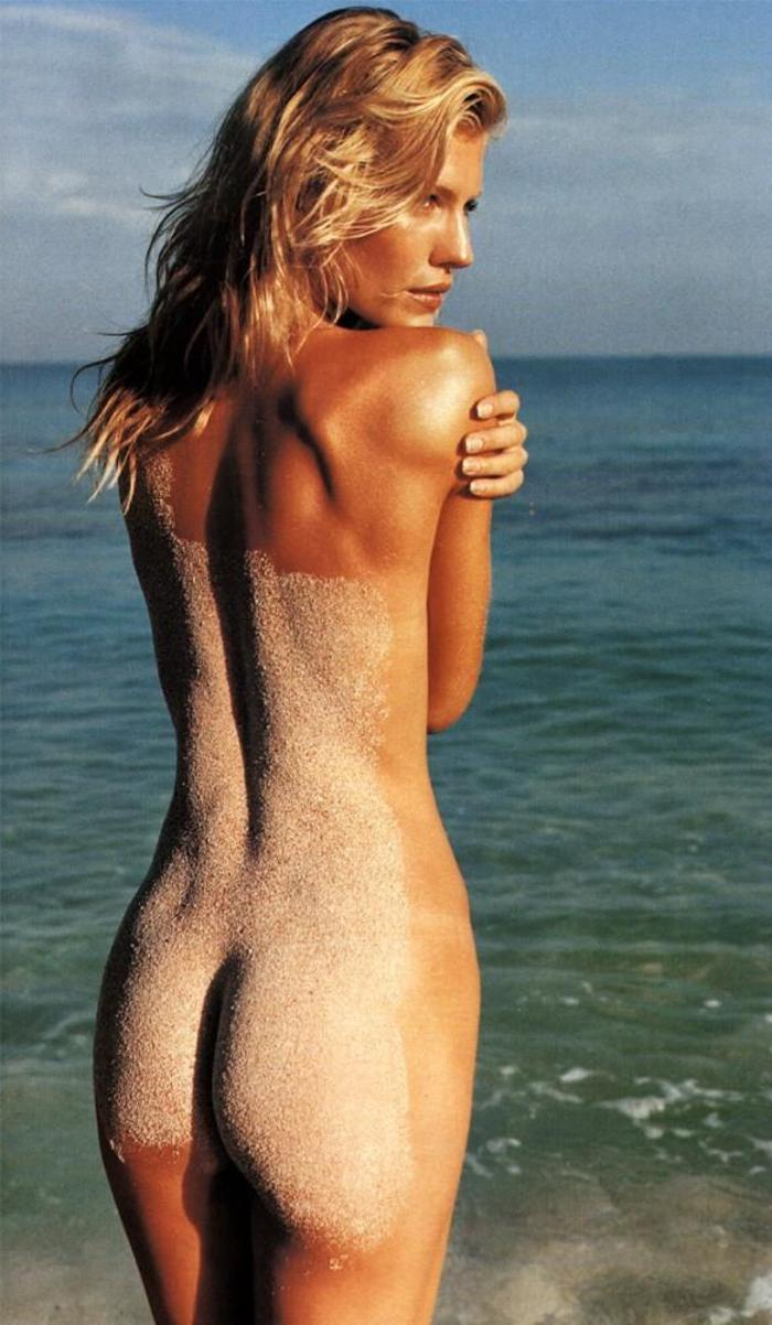 nude pictures of tricia helfer