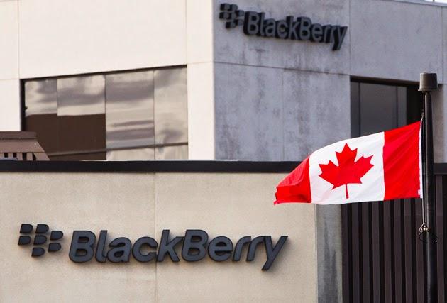 """(Boston,13 de abril.Reuters). – BlackBerry Ltd dijo que planea lanzar para el viernes actualizaciones de seguridad de su software de mensajería destinadas a dispositivos Android y iOS, a fin de resolver las vulnerabilidades relacionadas con la amenaza de """"Heartbleed"""". Investigadores advirtieron la semana pasada que descubrieron a Heartbleed, un virus que ataca al software OpenSSL usado comúnmente para mantener seguros los datos, permitiendo potencialmente a hackers robar grandes cantidades de información sin dejar rastros. Expertos en seguridad les dijeron inicialmente a las empresas que se enfocaran en reforzar la seguridad de sitios web vulnerables, pero desde entonces han advertido sobre"""