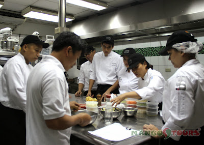 Mango Tours - The Aristocrat Restaurant: Culinary class