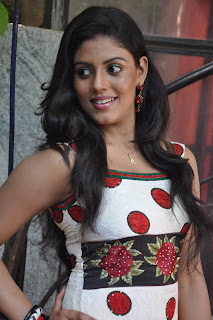 Iniya At Mouna Guru Press Meet %289%29.jpg