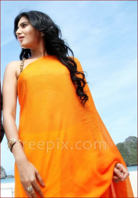 Samantha-orange-plain-saree-Jabardasth-movie