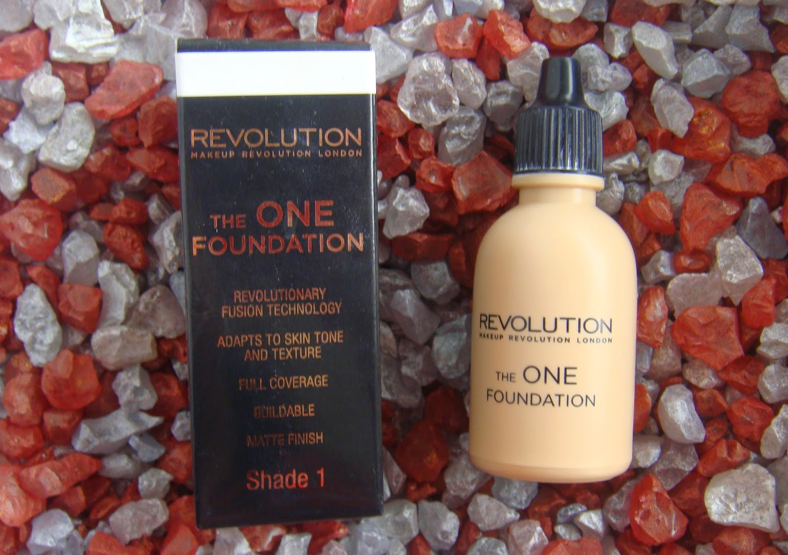 MakeUp Revolution, The One Foundation, shade 1.