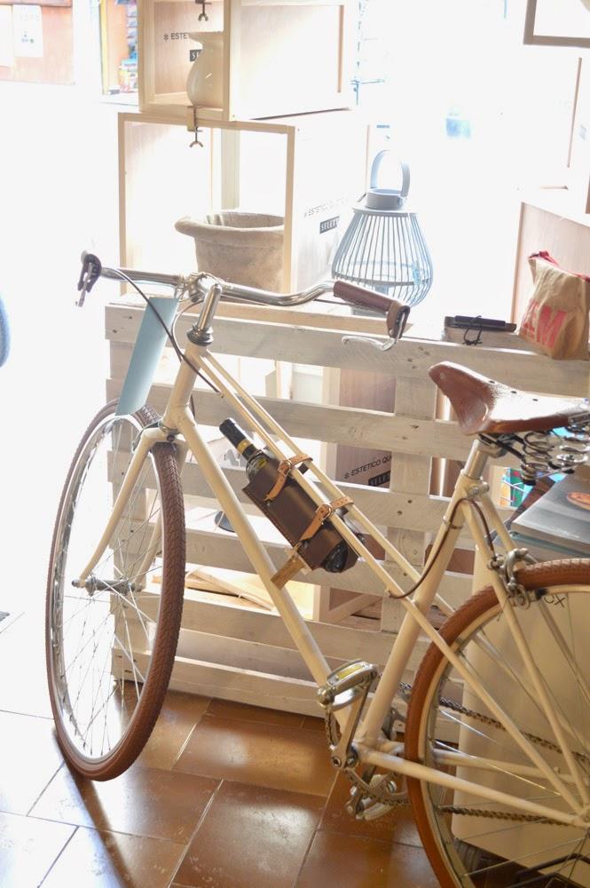 bicicletta bianca