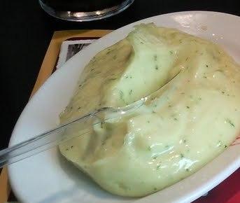 Maionese com batata e ovo cozido