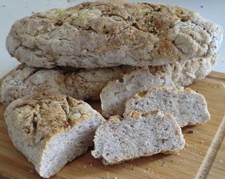 Pain à la farine de pépins de raisin et aux graines riches en oméga 3 et vitamine E