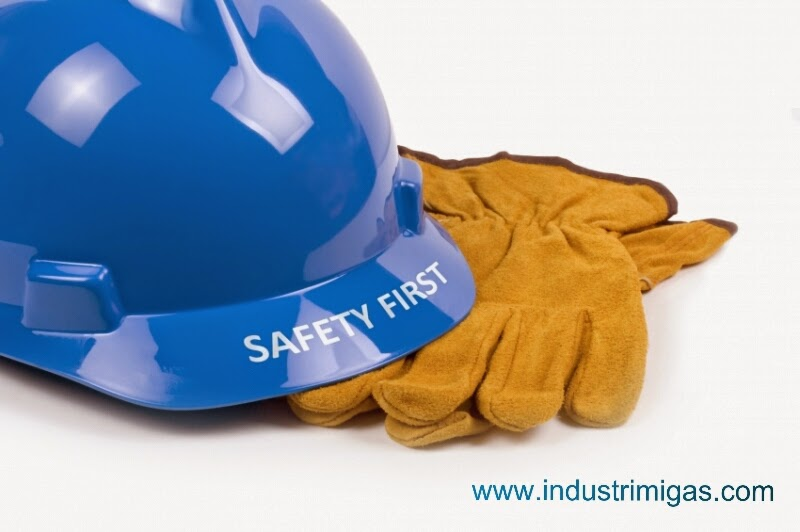 Safety helmet and hand gloves