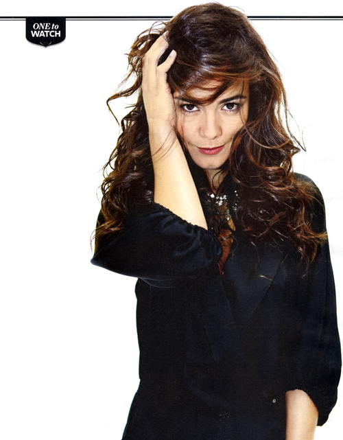 Alice Braga Hairstyle 32