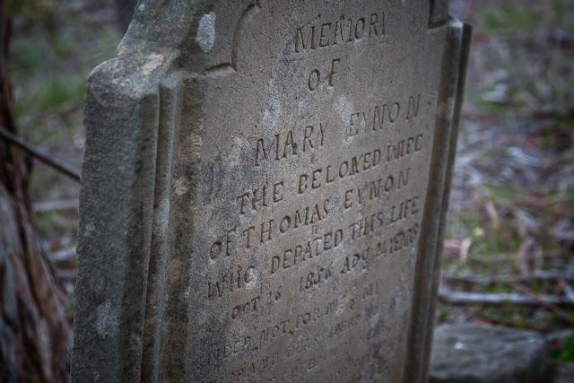headstone chinese cemetery vaughan