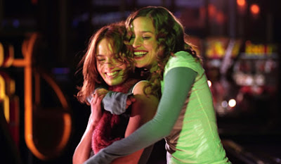 Lena Headey and Piper Perabo Imagine me and You 2005