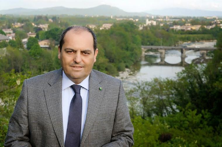 cav. Rosario Genova