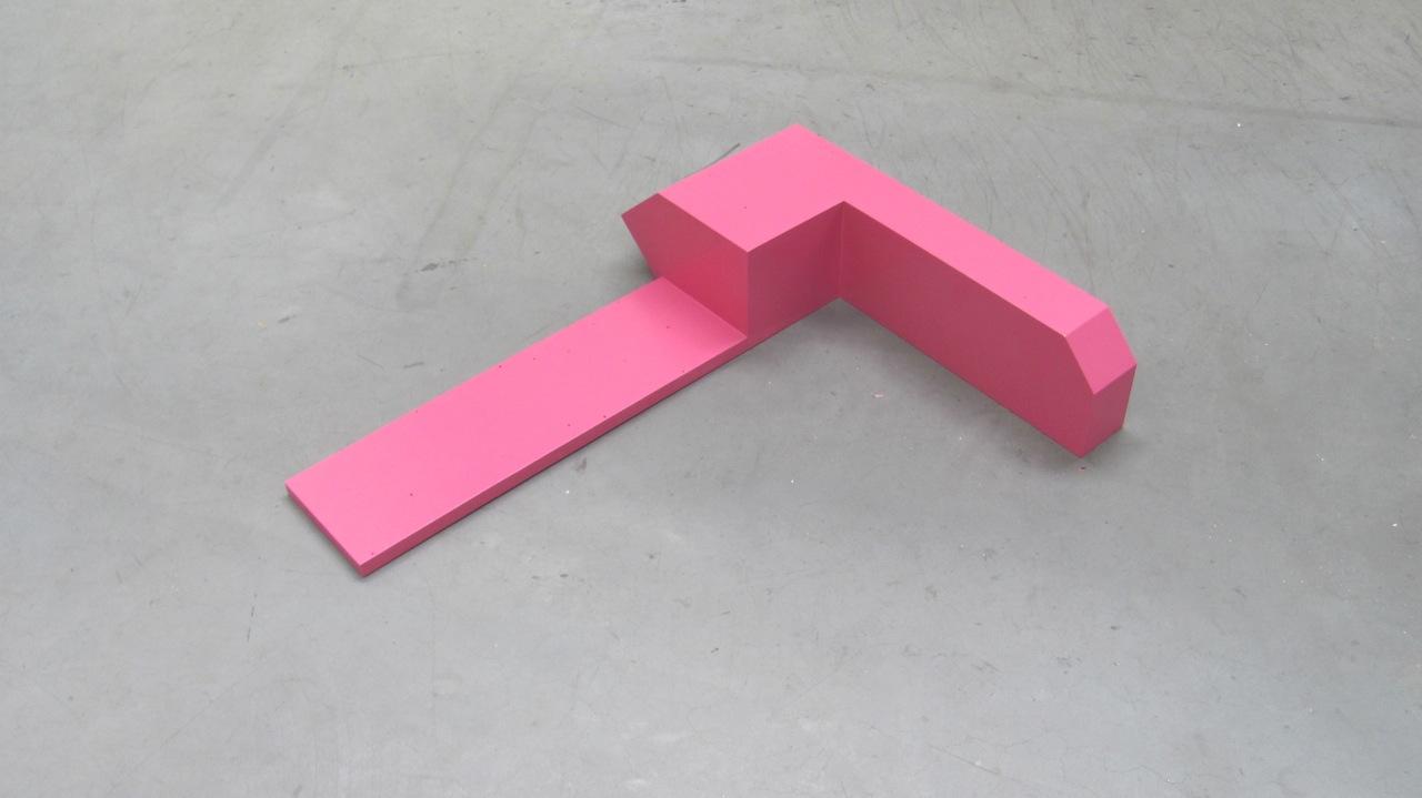 Pink, 1997/2014, 64 x 79 x15 cm., hout en verf.