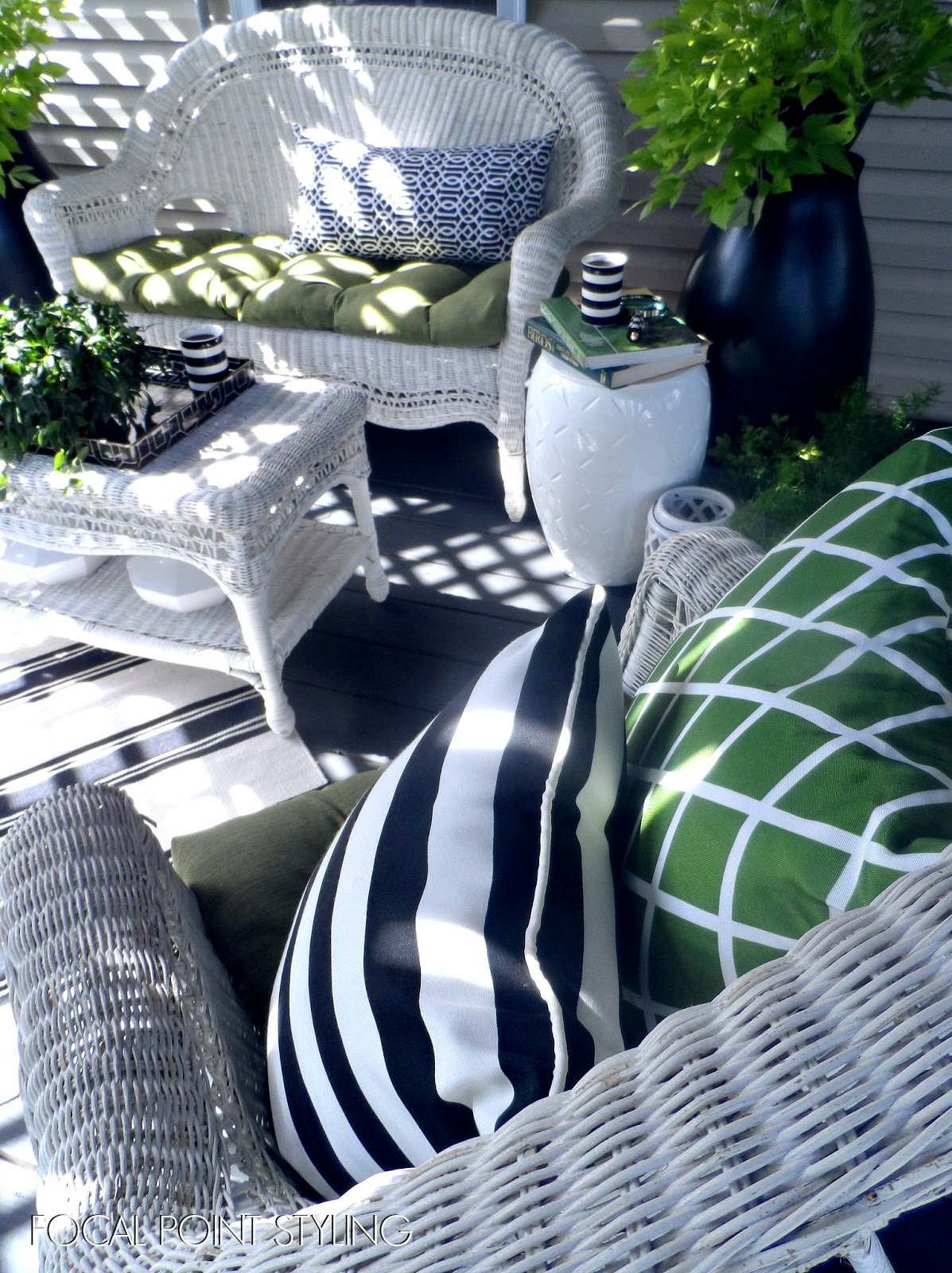 Cute Easy Outdoor Decorating Mixing Old u New Deck Decor