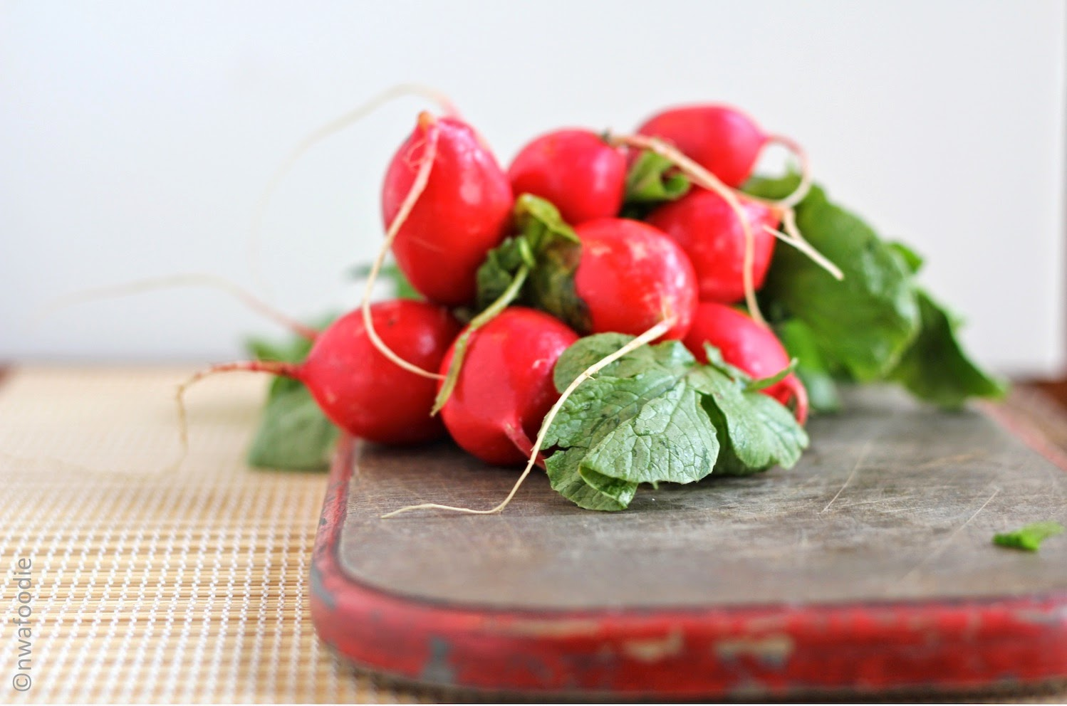 bunch of radishes (c)nwafoodie
