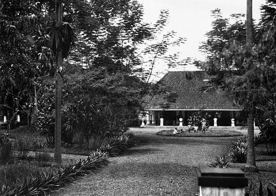 pendopo tempat tinggal residen purwokerto