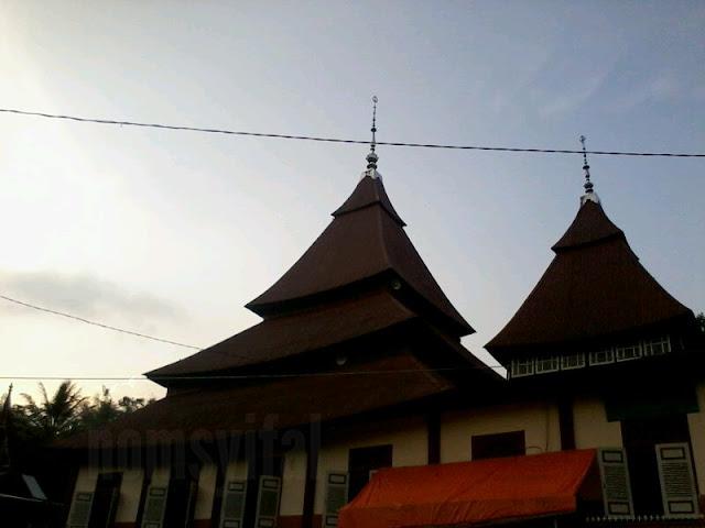Masjid Ishlah Tampak dari luar 3