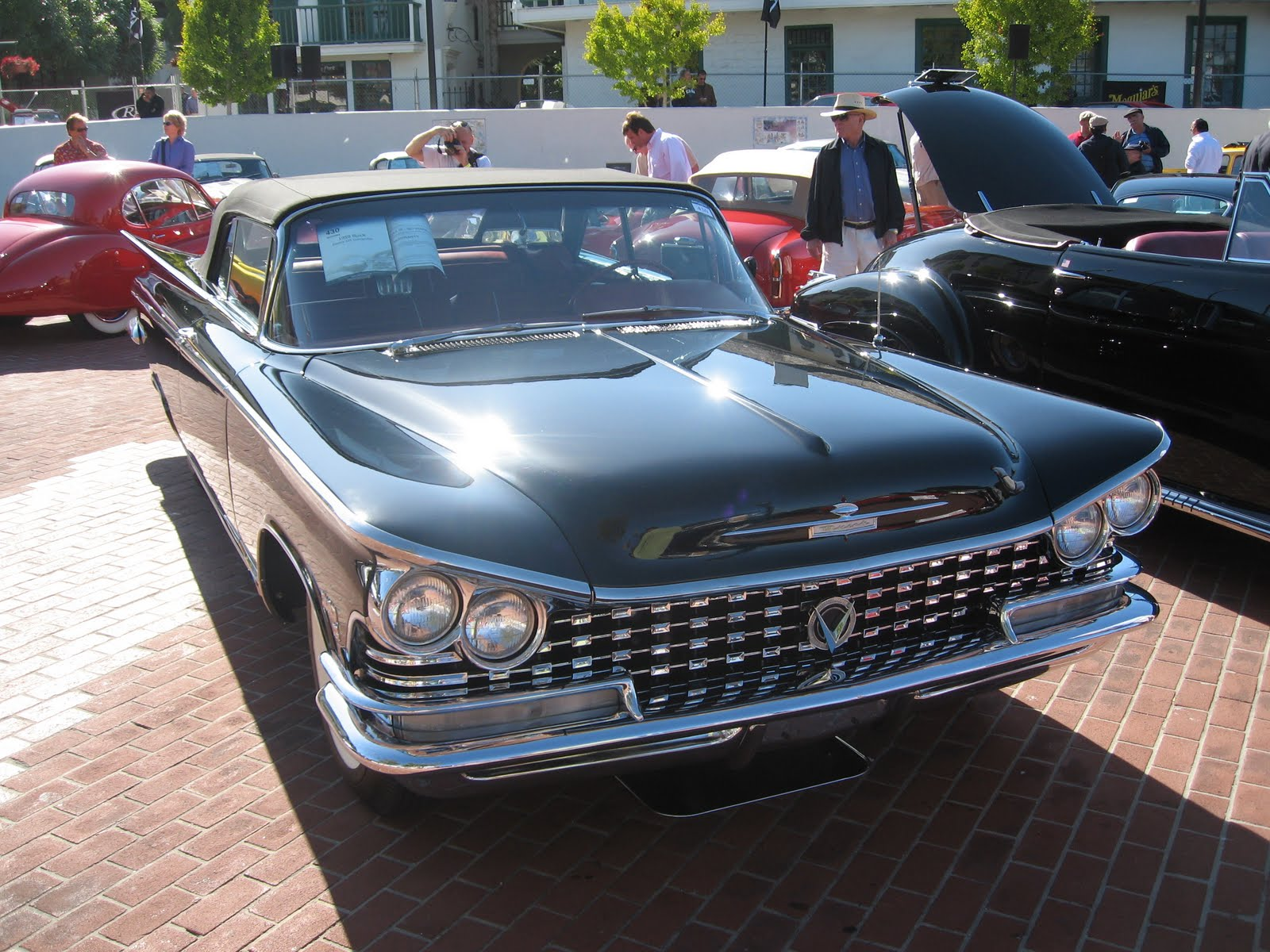 The electra line shares the same similarities with the cadillac it came in a four door sedan a two door coupe and a two door convertible prior to 1959
