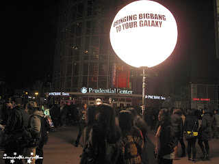 k-pop Big bang galaxy tour at prudential center fans waiting for concert to start