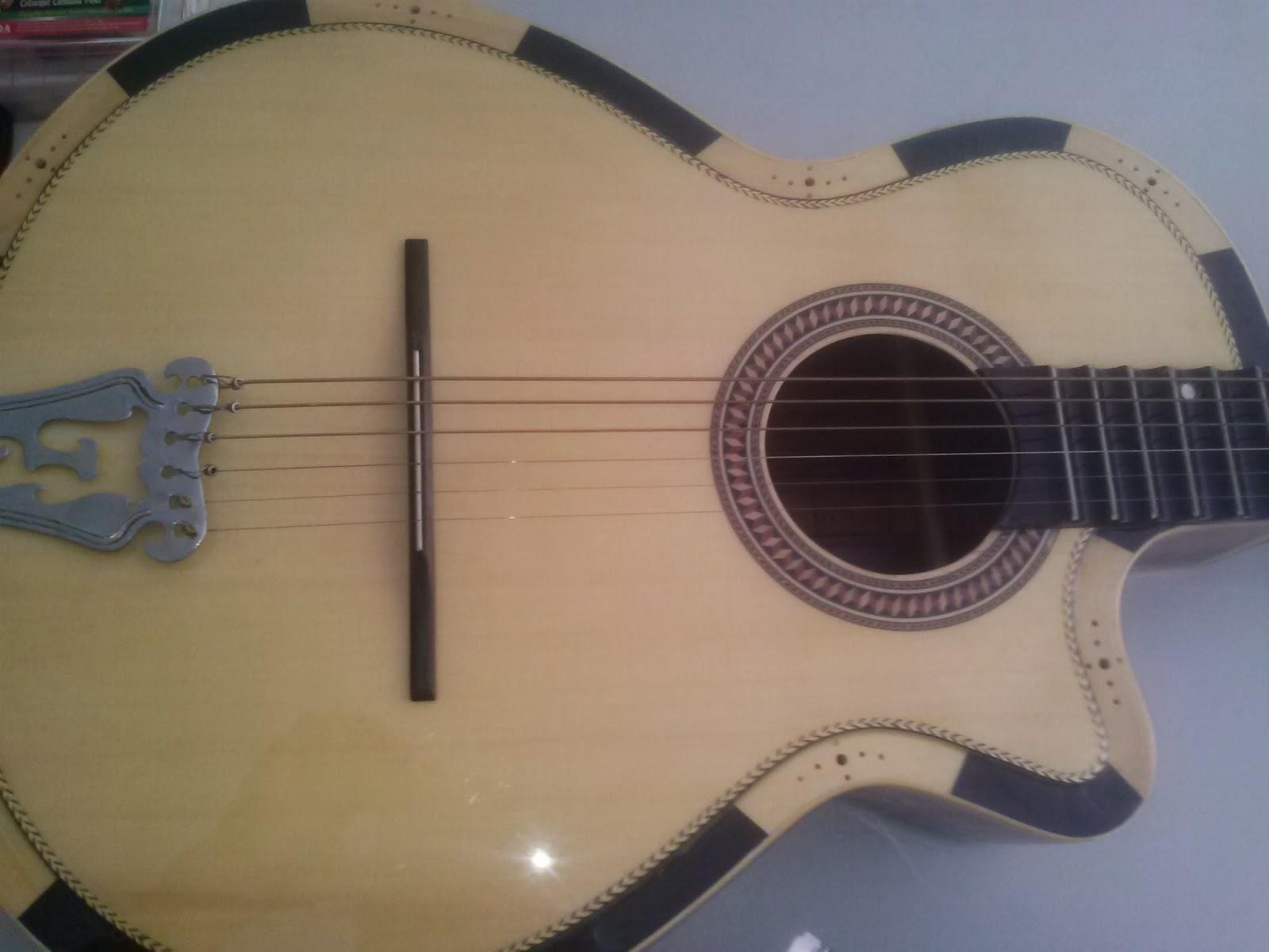 dan guitar o hcm