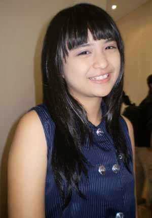Foto Putri Titian