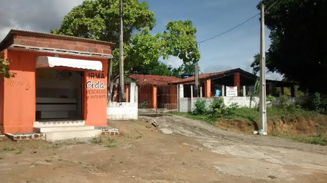 Divulgação: Vende-se uma granja com 3 casas, 5 garagens e 2 pontos para comercio em Goiana.