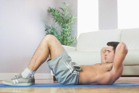 Abdominal tradicional e abdominal com perna elevada