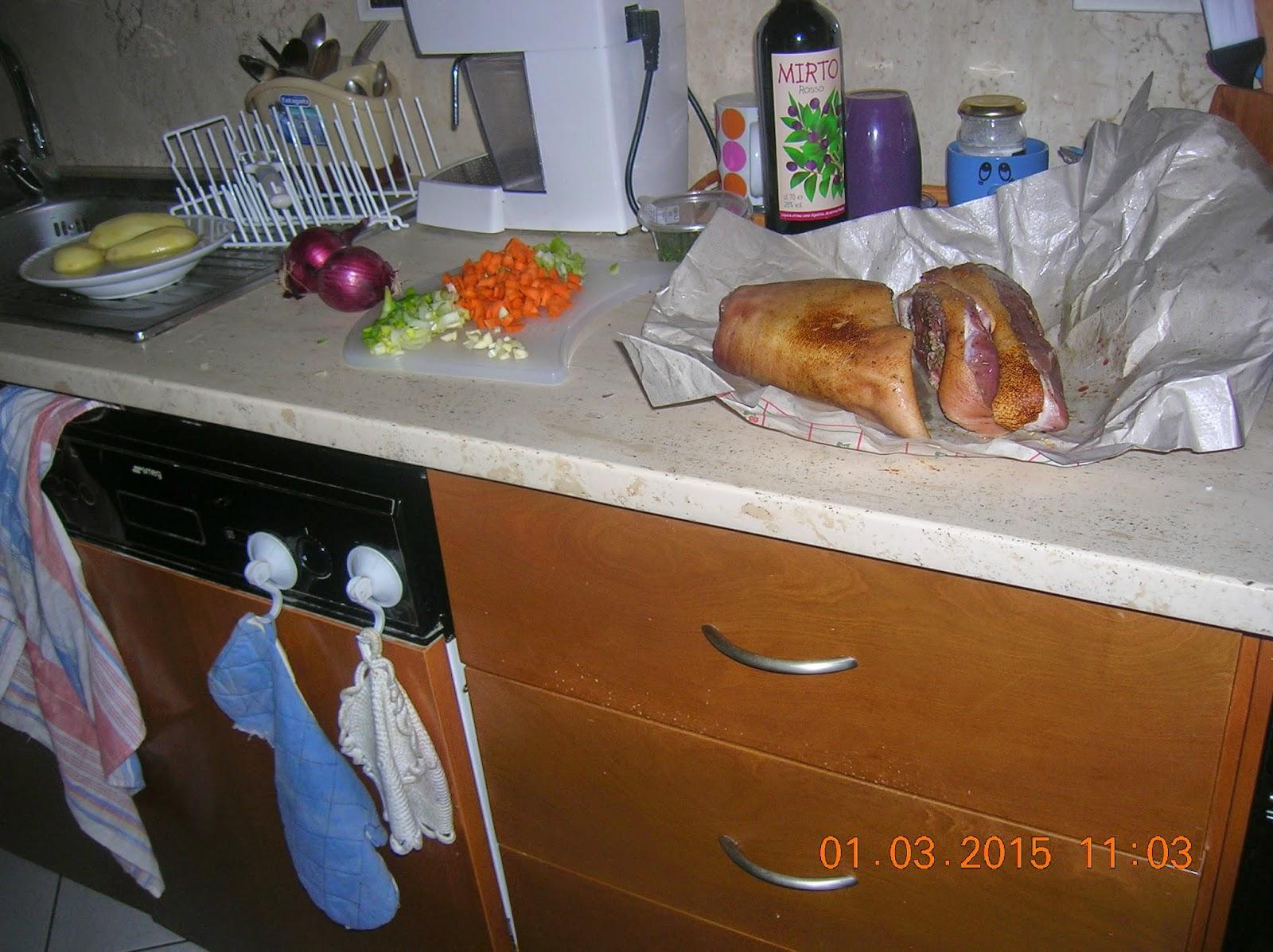 stinco di maiale al mirto rosso con patate carote e cipolla rossa- pennette alla carbonara  al mirto rosso