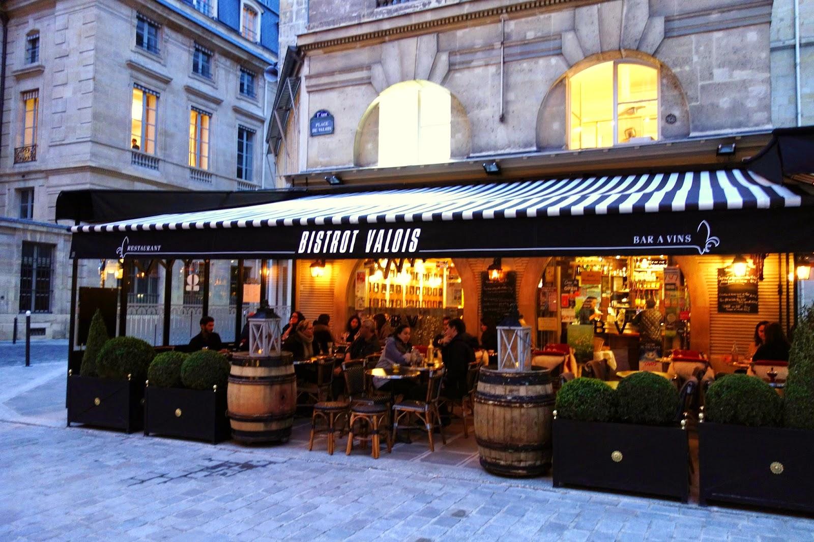 Cafe Des Chiens Paris