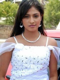 Picturegraph of tamil model Hapri Priya  (7).jpg