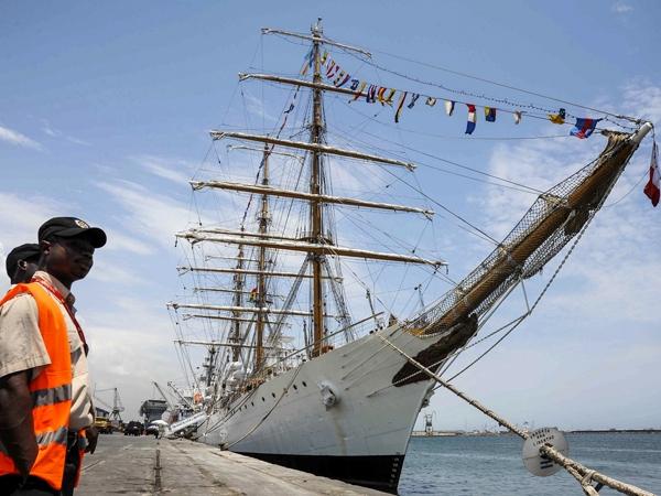 EL RELATO DEL RELATO: Discurso de Puricelli en el Acto por el Día de la Armada 17/05/2013 600x0_593979