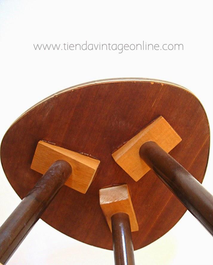 Mesitas de madera vintage tipo púa y nido estilo retro decoración vintage