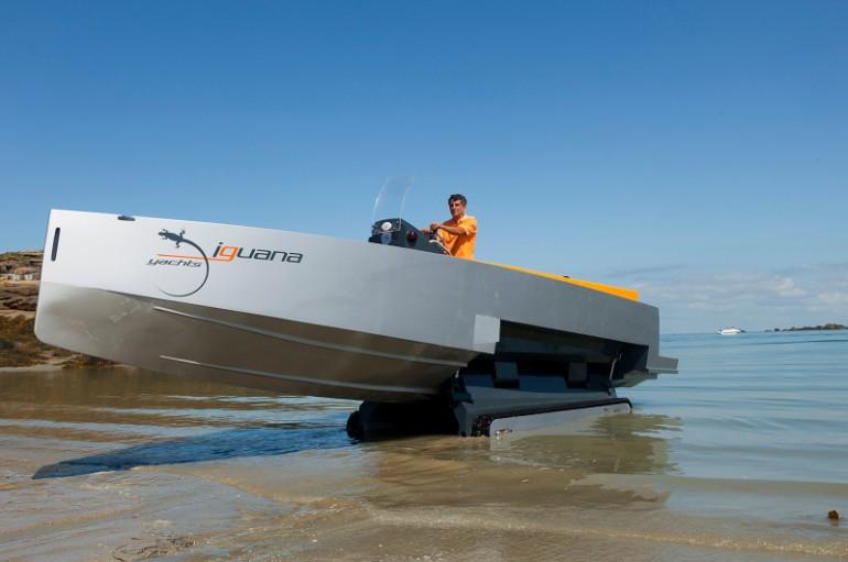 amphibious vehicle
