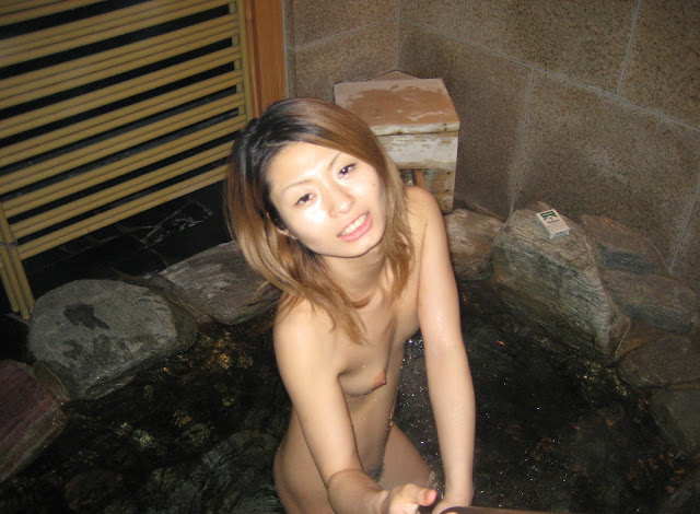 Cute Japanese girlfriend's wet pink pussy and blow job photos leaked (20pix)