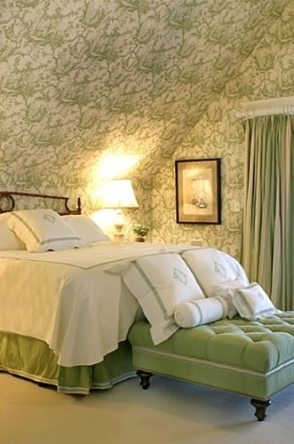 green and white bedroom toile