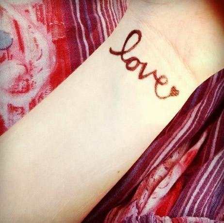 desain gambar tato cinta atau love tatto bloggebu dot