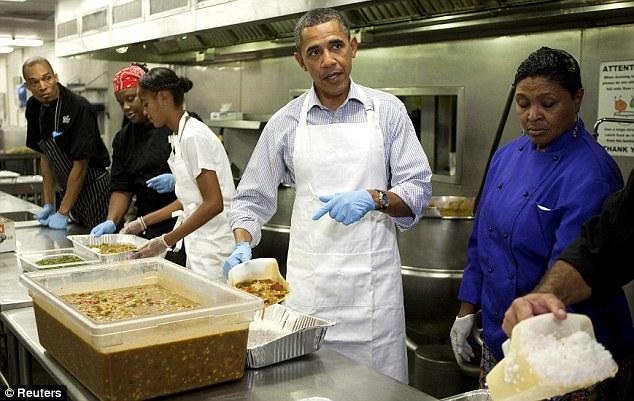 Barack Obama tukar kerja jadi tukang masak