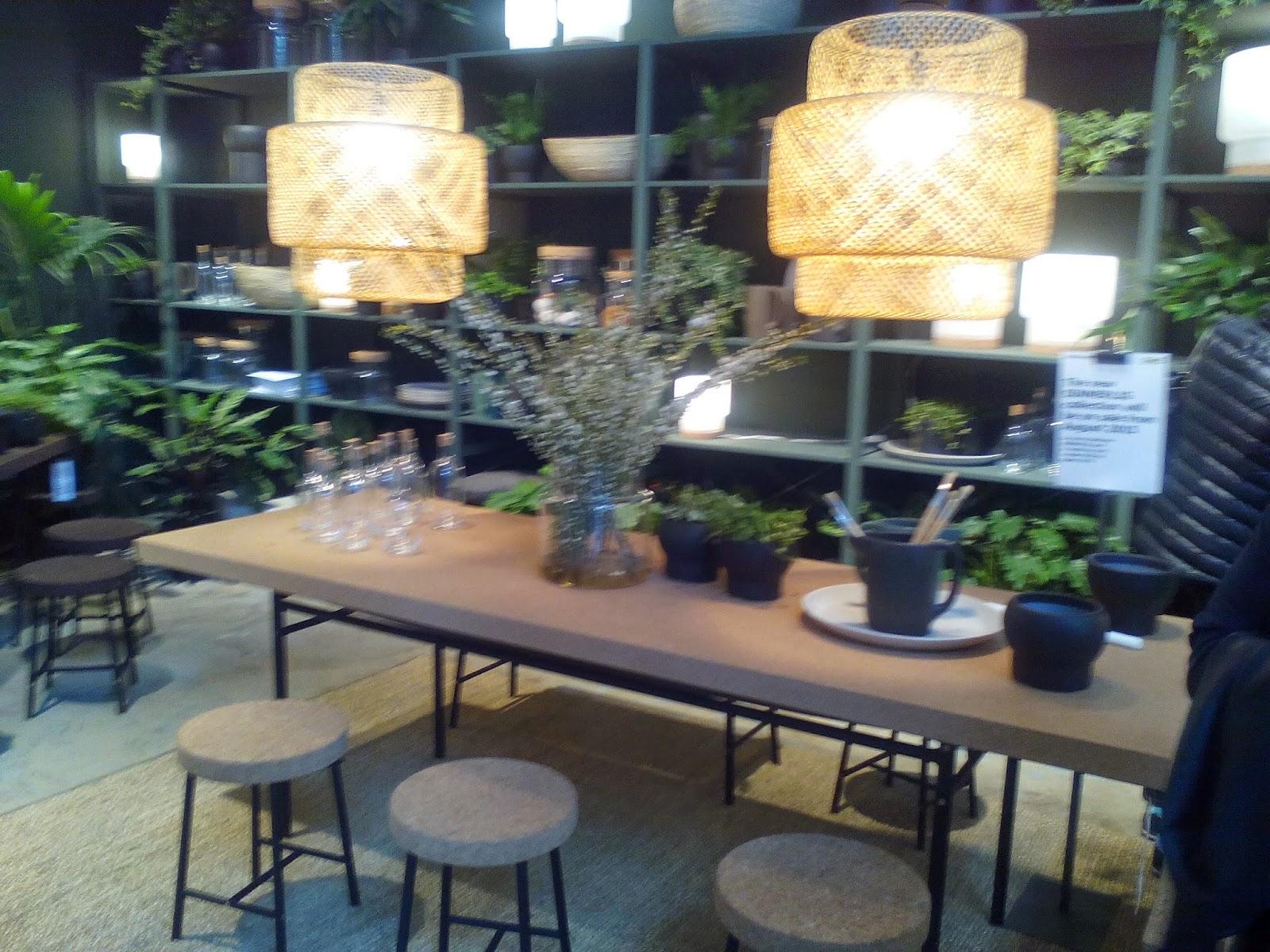 Cucina Bianca E Nera Ikea : Cucina a vista sul soggiorno. Cucina a ...