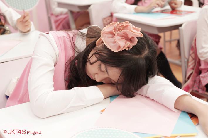 Ve sedang tidur di JKT48 school