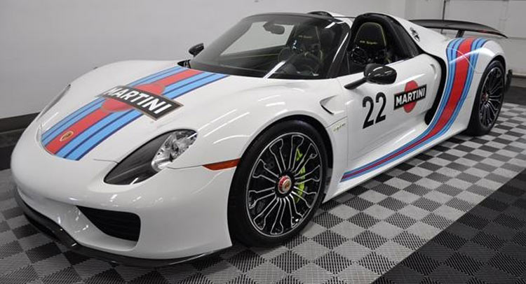 for sale martini porsche 918 spyder hits ebay. Black Bedroom Furniture Sets. Home Design Ideas