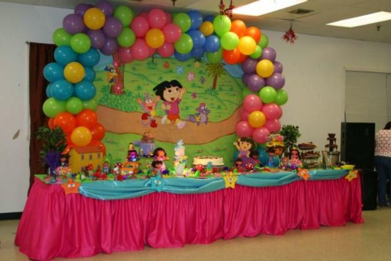 Gambar balon dekorasi ulang tahun anak di dalam rumah