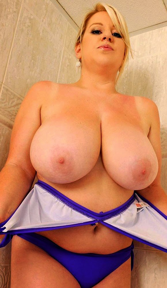Big tit hairy mom