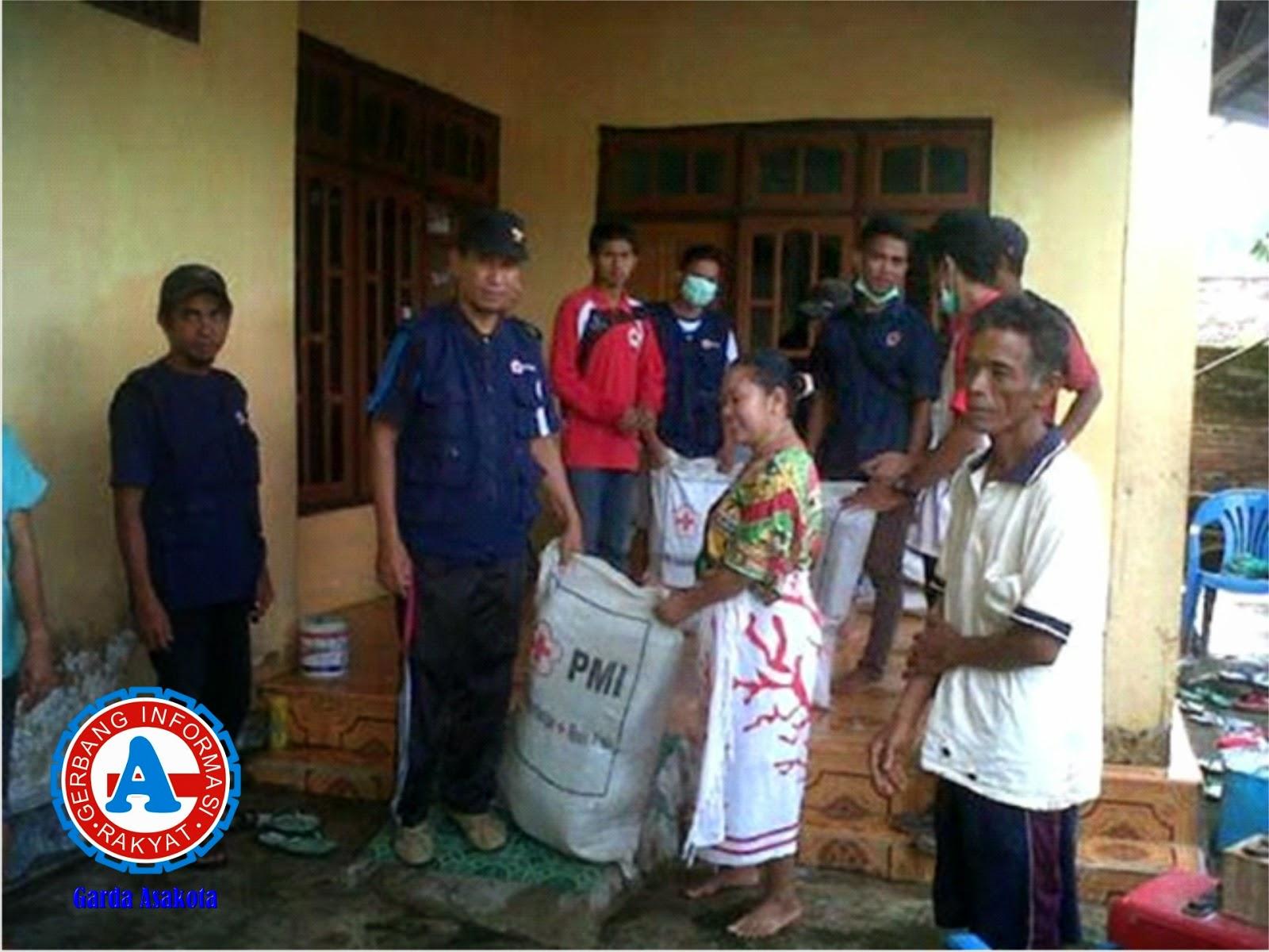 PMI Bima Santuni Korban Banjir