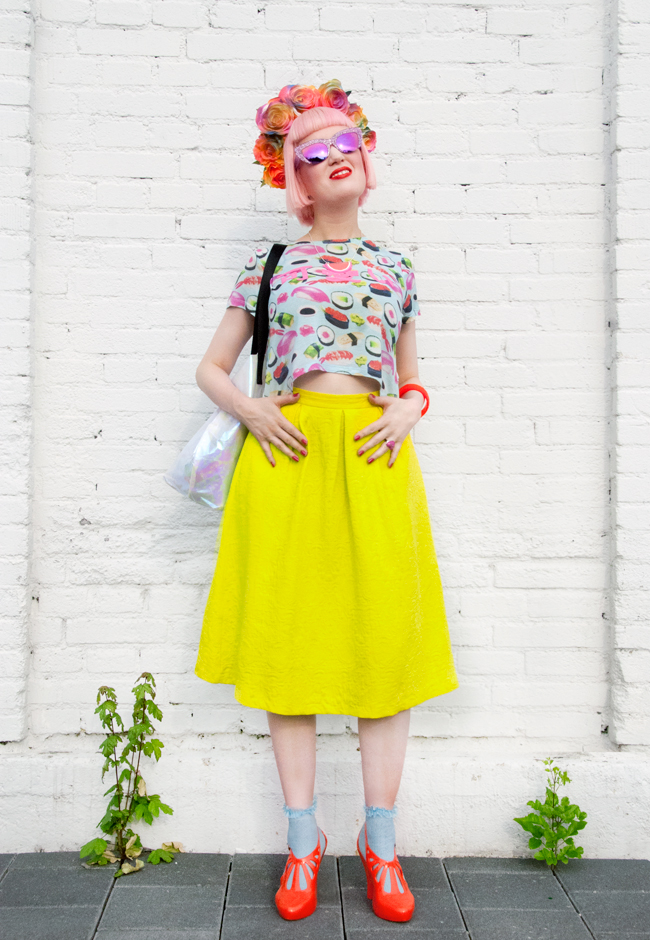 rainbow look, flower crown, blogger style